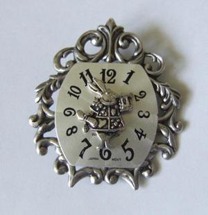 Брошь «Как же я опаздываю!», Металлические броши, авторские украшения ручной работы