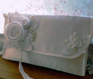 Белая сумочка — клатч, Женские сумки ручной работы